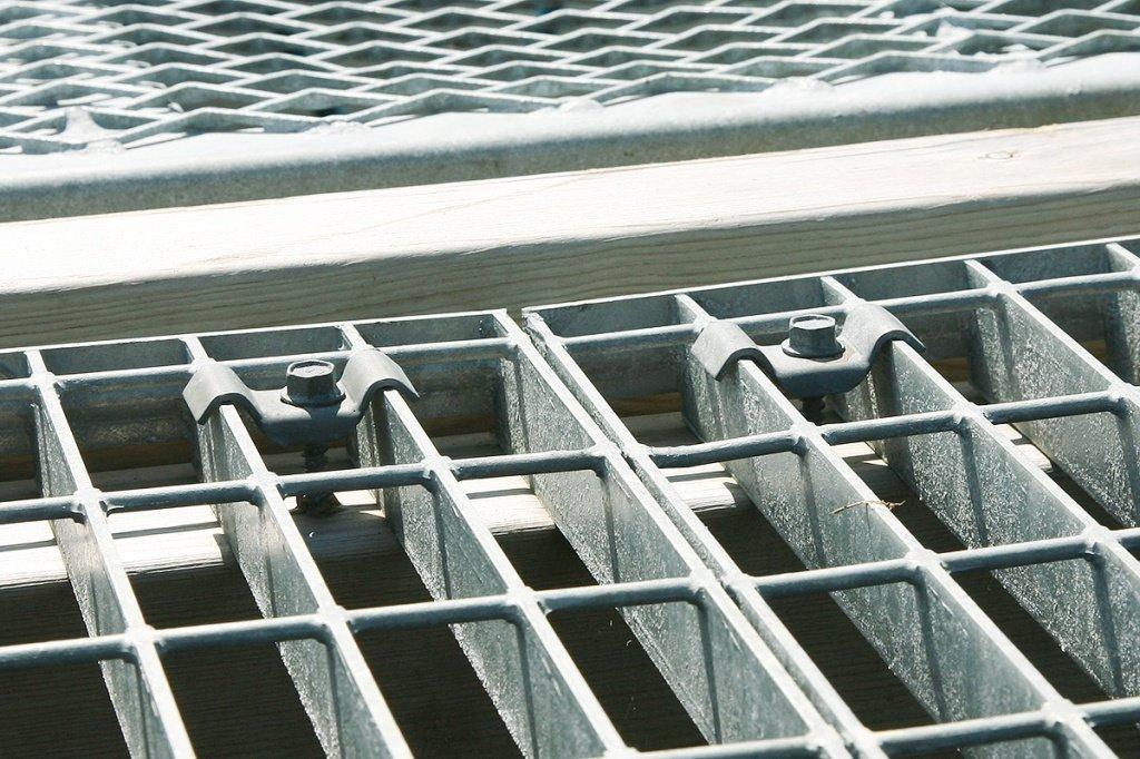 Инструкция по установке ограждения из шарнирной сетки